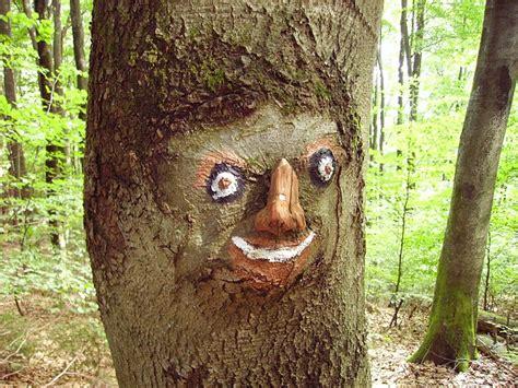 wood sculpture carving  photo  pixabay
