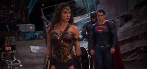 'Batman V Superman' Roundup: New Photos Of Wonder Woman ...