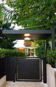 Cancello in stile moderno pedonale automatizzato con