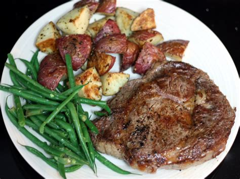steak and potatoes top 28 steak and potatoes how to make steak and mashed potatoes on a budget 14 steps cajun