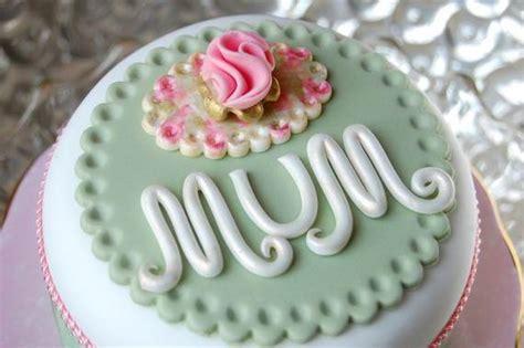 cake decorating ideas   moms day cake family