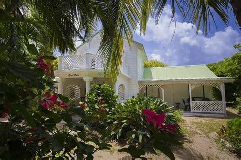 chambre d hote galante le grand palm bungalows de charme à grand bourg
