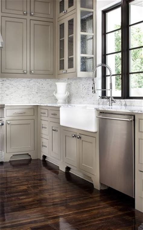 taupe colored kitchen cabinets the 25 best taupe kitchen ideas on grey