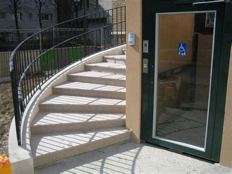 salaire moyen commis de cuisine ascenseur escalier 28 images un ascenseur d escalier