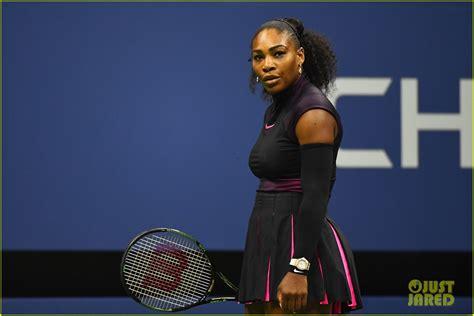 VIDEO Australian Open: Simona Halep, eliminată de Serena Williams (1-6, 6-4, 4-6)/ Începutul dezastruos, revenirea și șansele de break ratate la... - HotNews.ro