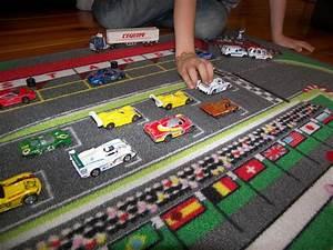 Tapis Enfant Route : tapitom tapis jeu circuit de voiture fourmule1 f1 130 x ~ Teatrodelosmanantiales.com Idées de Décoration