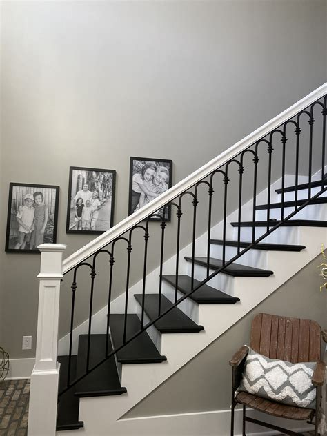 stairwell-blank-start-gallery-wall - Re-Fabbed