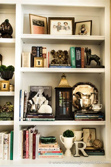 Decorating Ideas Bookshelves by How To Stage Easy Sensational Bookshelves Vignettes