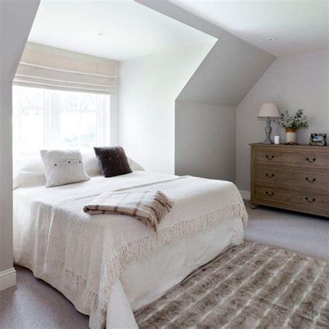 25+ best ideas about Bed under windows on Pinterest