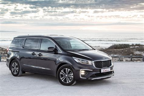 kia grand carnival  review