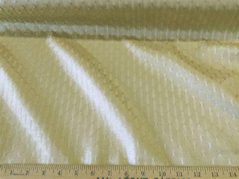 Discount Fabric Upholstery/drapery Jacquard Light Gold