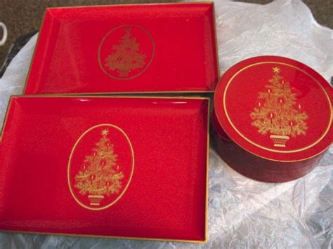 gibson greeting cards  red christmas tree coaster set