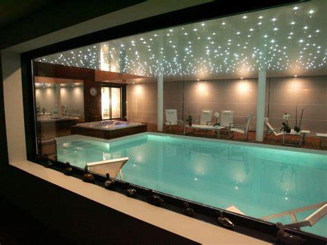 revetement sous piscine hors sol piscine 10 x 5 m rev 234 tement blanc escalier droit sur la