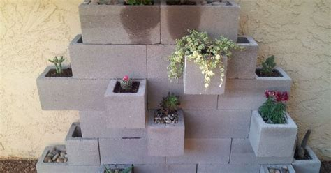 Round Wall Planter by Cinder Block Planter For Apartment Patio Apt Ideas