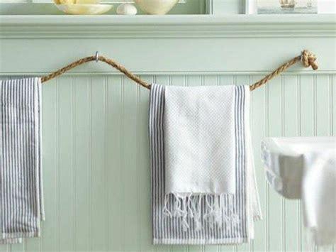 si鑒e pour salle de bain les 25 meilleures idées concernant porte serviette pour salle de bain sur décoration de salle de bain porte serviettes et