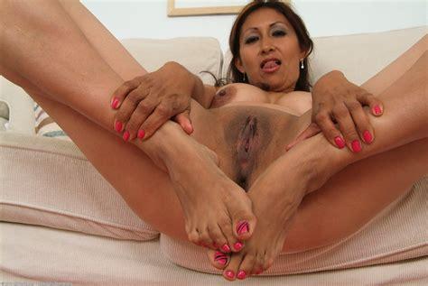 Jesse – Sexy Latino Feet. | Mature Porn Photo