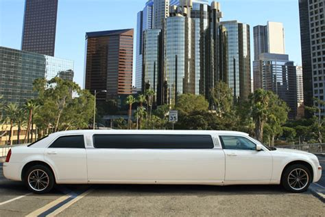 Limousine Transfers by Limousine Chrysler 300 8 Alicante Transfers