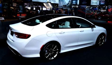 2017 Chrysler 100 Review And Redesign  2018  2019 Car