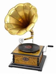Antique Gramophone, 1920s Party Theme | Art Deco Party ...