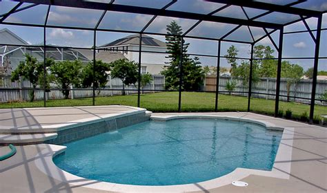 how much does it cost to build a swimming pool screen