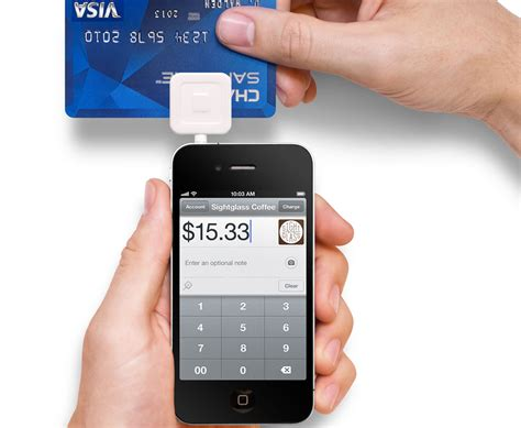 iphone card reader apple starts selling square iphone credit card