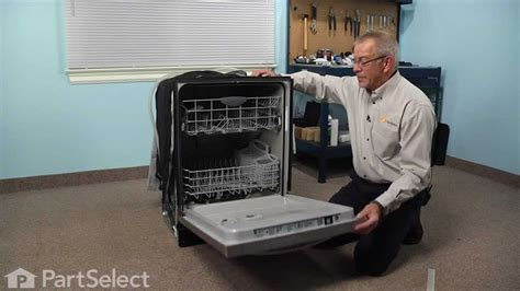 dishwasher repair replacing  bottom door gasket frigidaire part  youtube