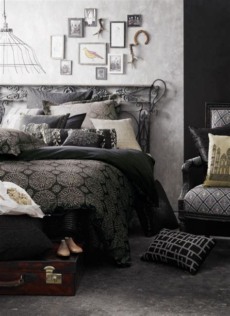 13 Dark Bedrooms With A Subtle Halloween Vibe