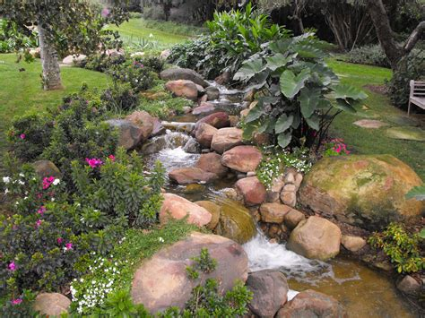 Steingarten Mit Wasserlauf by Garcia Rock And Water Design