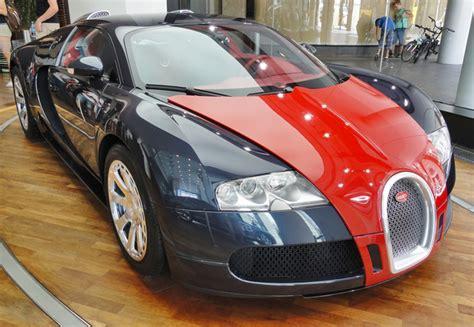 Bugatti Veyron Cars Captured Hitting Top Speeds On The Streets