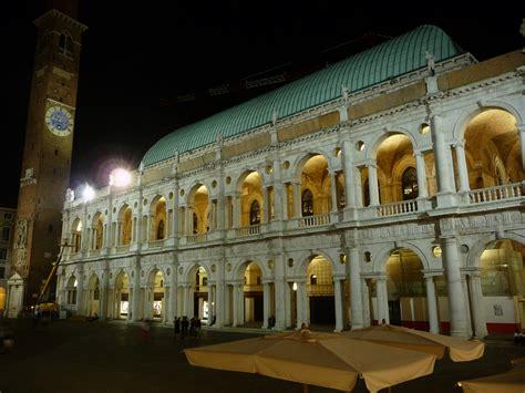 Illuminazione Vicenza File Basilica Palladiana Nuova Illuminazione Jpg
