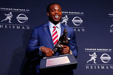 derrick henry wins heisman trophy