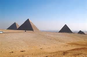 ピラミッド:ギザのピラミッド [地図]