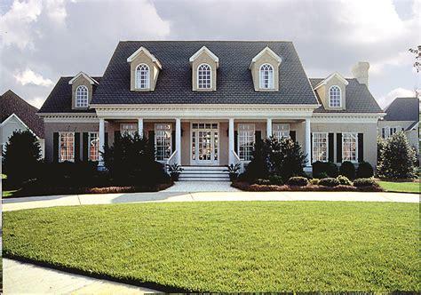 Plantation-style Southern House Plan #180-1018