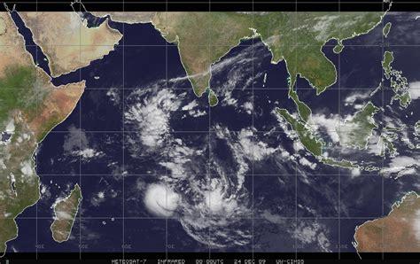 CycloneXtrème - Météo Cyclone Ouragan Typhon - Bassin ...