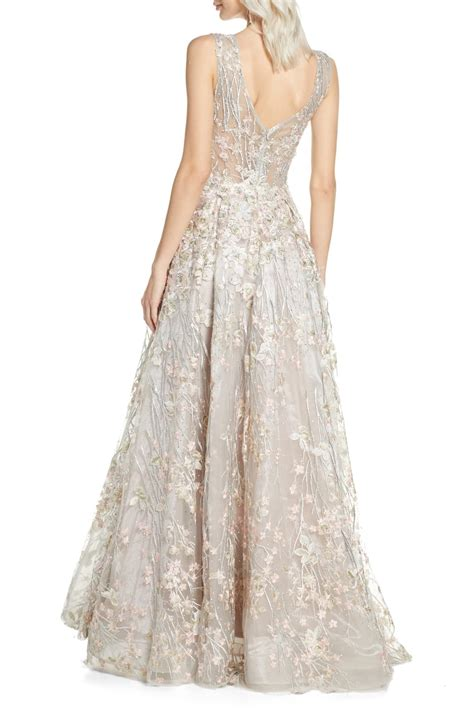 They are the most popular dress in the world. Mac Duggal Floral Embroidered V-Neck Gown in 2020 | Gowns ...