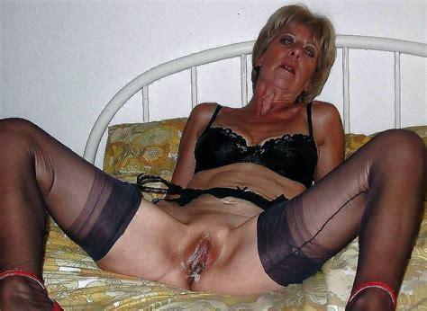 granny pics slut photo ladies woman shows pussy