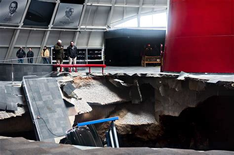 corvette museum sinkhole 2014 chevrolet takes on task of restoring corvettes swallowed