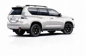 Toyota Land Cruiser 2017 : 2017 toyota land cruiser prado gets range topping invincible x grade in the uk autoevolution ~ Medecine-chirurgie-esthetiques.com Avis de Voitures