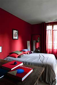 decoration chambre rouge et gris exemples d39amenagements With chambre gris et rouge