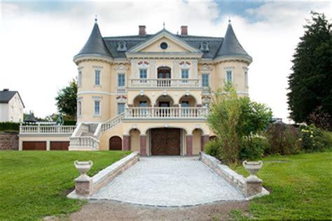 villa in deutschland kaufen iim verkauf exklusive schlossvilla mit oldtimergaragen