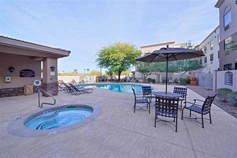 Lexington Hotel & Suites