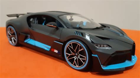 Each model has been replicated in popular scales and features a factory painted metal body with multiple coloured plastic detailing parts. AUTOS A ESCALA 1.18, BUGATTI DIVO, MERIDA,YUCATAN. - YouTube