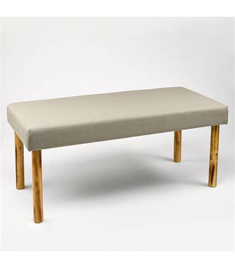 banquette bout de lit tissu gris clair et pieds en bois