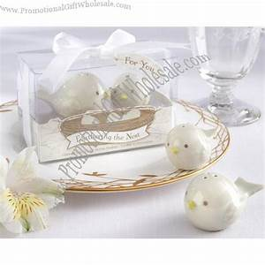 Buy wedding favors gifts pied magpie ceramic salt and for Cheap wedding favors bulk