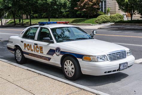 Fileus Capitol Police Cruiser Ford Crown Vic Fr Jpg