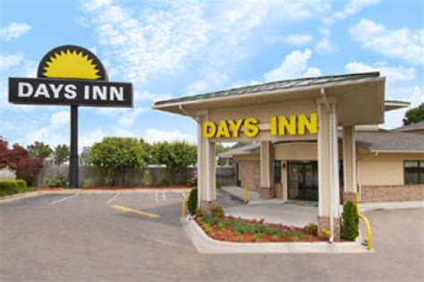 Weldon Hotel  Days Inn Weldon Roanoke Rapids. Intercity Premium Natal Hotel. Dusit Thani Bangkok Hotel. Hotel Kasteel Terworm. Hotel Schonblick. Haus Attila Hotel. A Cambridge House Inn Hotel. Parador De Limpias  Hotel. Adramis Thermal Hotel