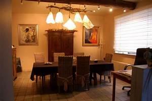 Lustre Pour Salle à Manger : salle manger 5 photos mopilo ~ Teatrodelosmanantiales.com Idées de Décoration