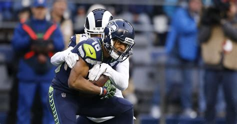 seahawks contract extension tyler lockett
