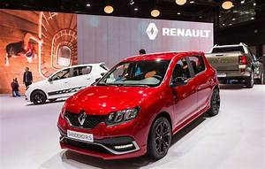 Dacia Sandero Rs : renault tells the story of new sandero rs in new video carscoops ~ Medecine-chirurgie-esthetiques.com Avis de Voitures