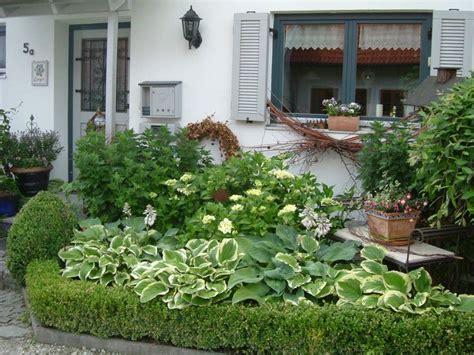 Willkommen Im Vorgarten  Wohnen Und Garten Foto Garten